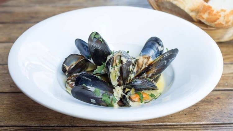 Dish Of The Day: Steamed Mussels
